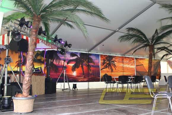 dekovorh nge fotow nde mieten beach party wand dekoration. Black Bedroom Furniture Sets. Home Design Ideas