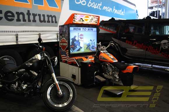harley davidson motorrad simulator mieten von oppermann events. Black Bedroom Furniture Sets. Home Design Ideas