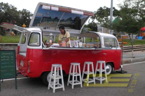 vw cocktail bus mieten partybus bulli als mobile cocktailbar. Black Bedroom Furniture Sets. Home Design Ideas